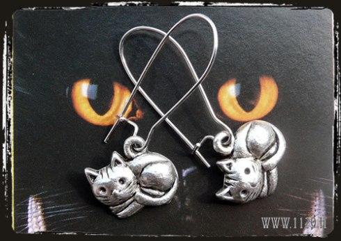 orecchini charm gatto