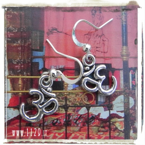 orecchini-charm-om-aum-earrings